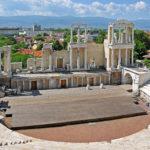 Ein Amphitheater, Weine und Rosenöl